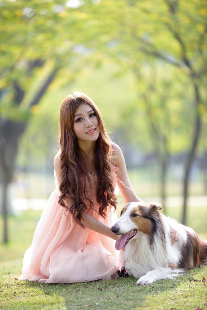 少女与狗-宠物摄影集欣赏(1)